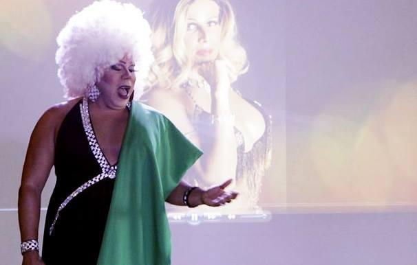 Valerie será a apresentadora do trio Foto: Almiro Lopes