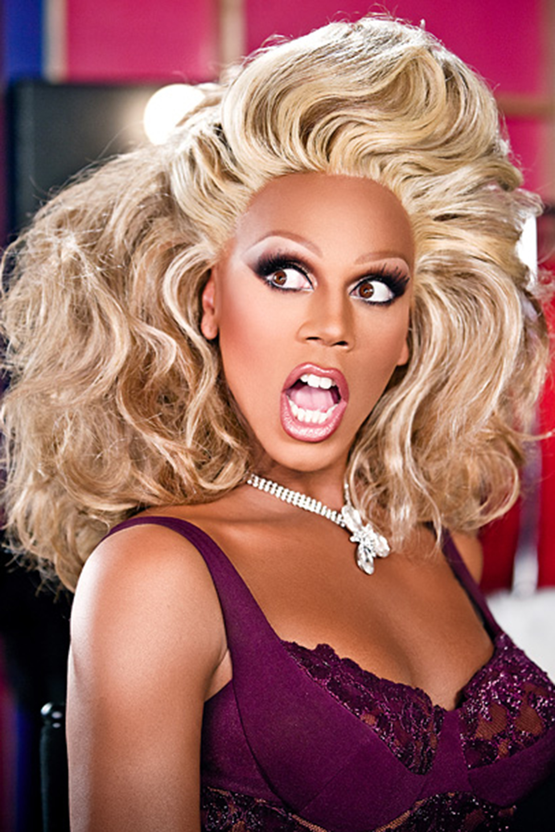 RUPAUL 2009 on set of RuPaul's Drag Race (on Logo)